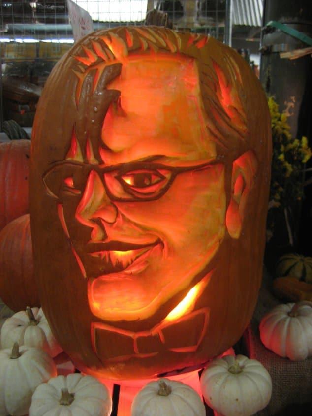 a jack-o-lantern made to resemble Alton Brown\'s face