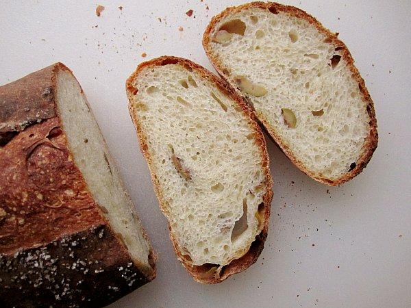 picholine olive bread