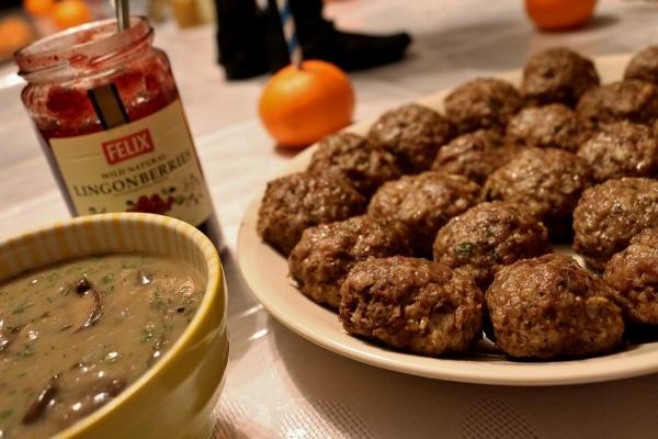 Swedish meatballs with mushroom gravy