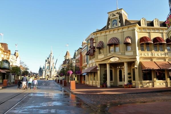 a mostly empty Main Street USA in Disney\'s Magic Kingdom theme park