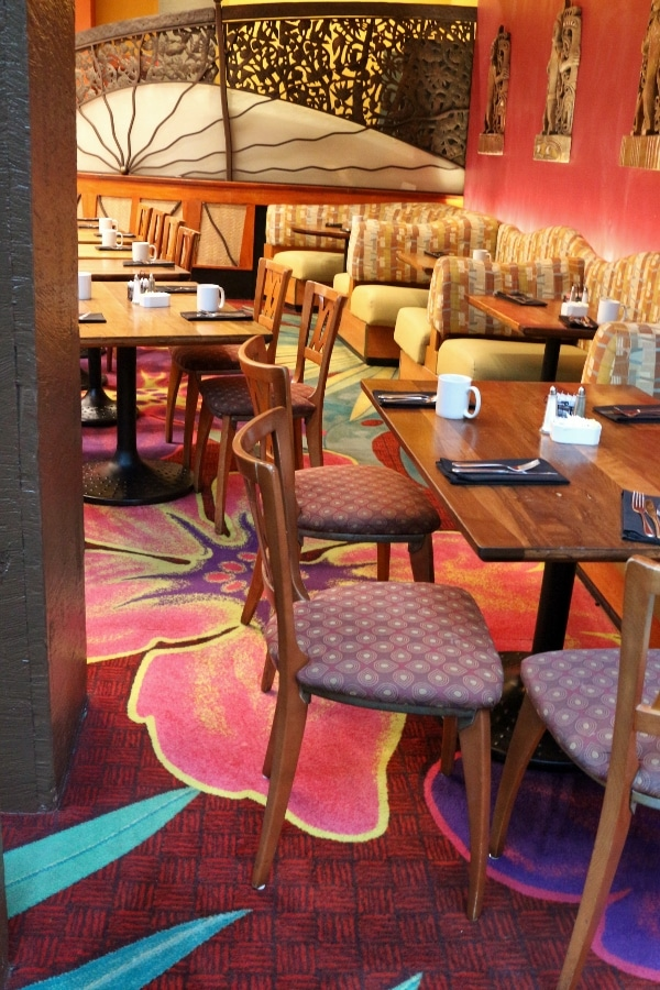 tables and chairs inside the Kona Cafe dining room
