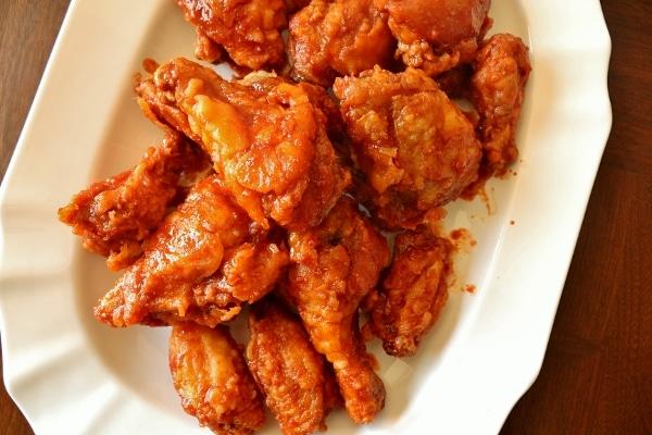 overhead view of a platter of crispy Korean fried chicken