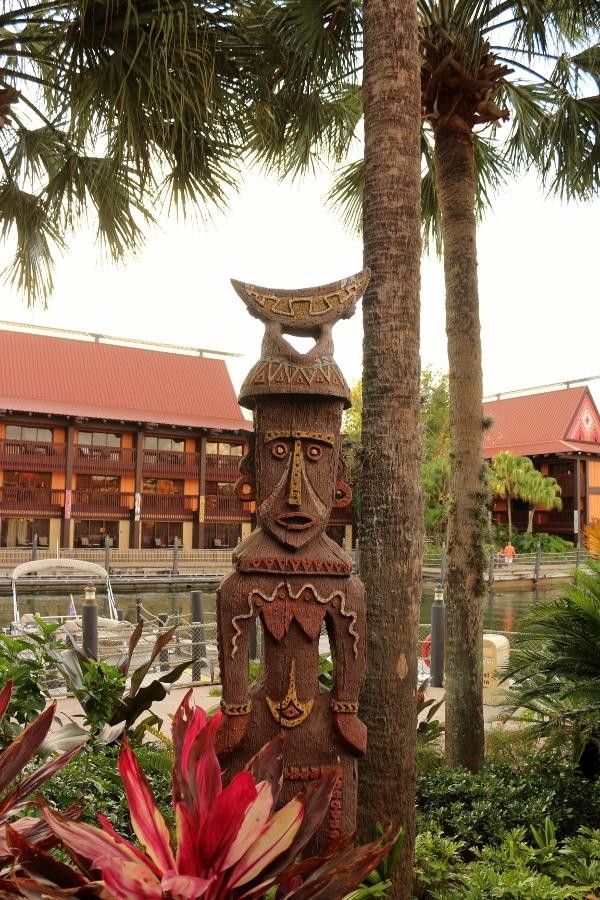 A Polynesian style statue outside Disney\'s Polynesian Village Resort