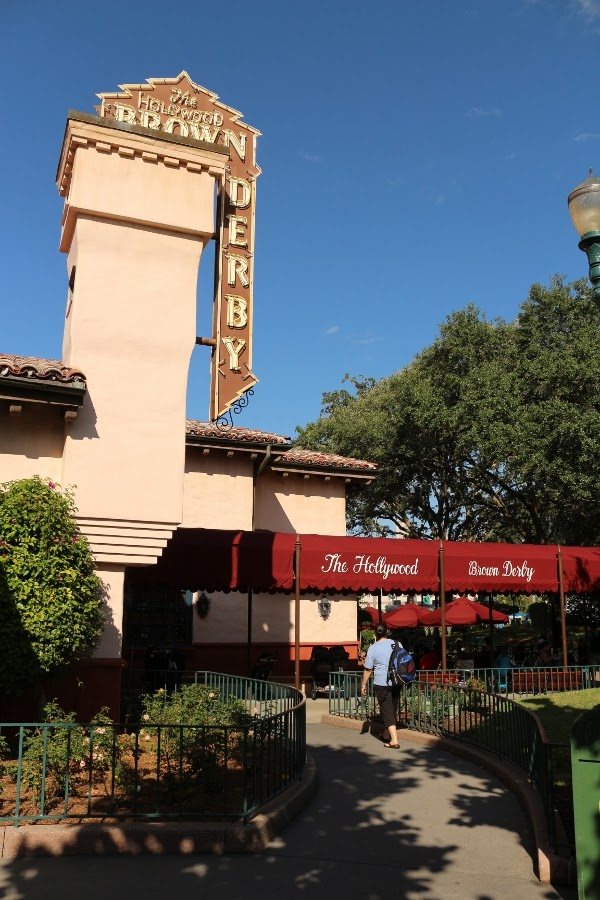 the exterior of the Hollywood Brown Derby restaurant at Disney\'s Hollywood Studios park