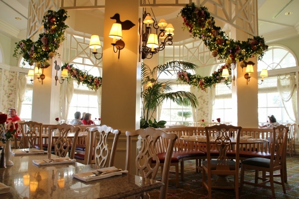 the interior of Disney\'s Grand Floridian Cafe