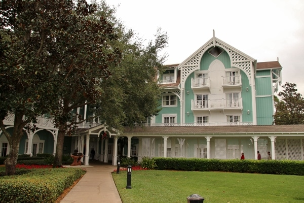 exterior of Disney\'s Beach Club Villas