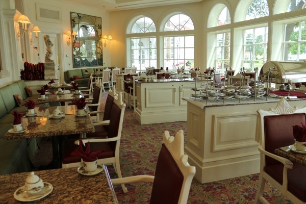 the interior of the Garden View Tea Room at Disney\'s Grand Floridian Resort