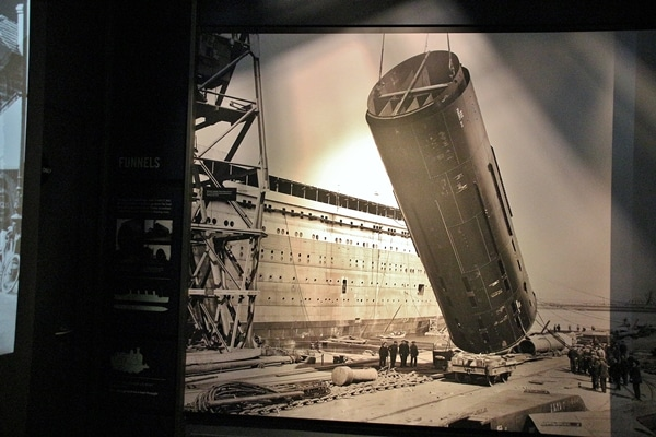 an old photo of building the Titanic