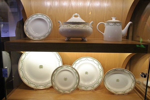 a set of china plates from the Titanic