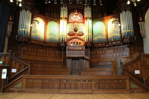 a giant pipe organ in a large room