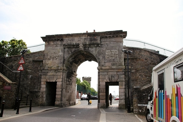 a stone archway