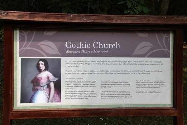 A sign that says Gothic Church