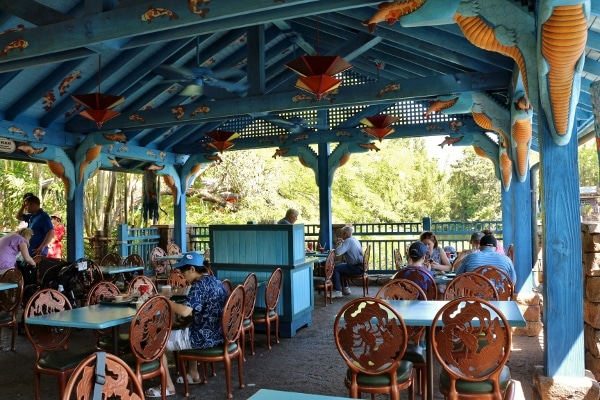 outdoor sitting area at Flame Tree BBQ