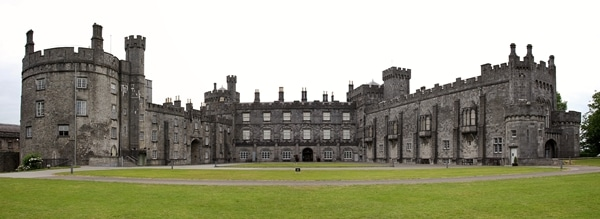 a wide view of Kilkenny Castle