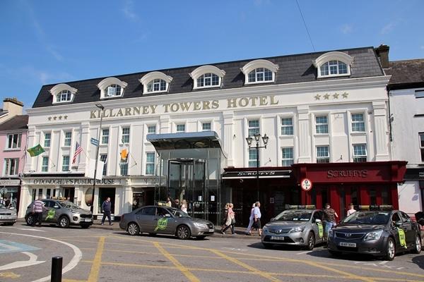exterior of Killarney Towers Hotel