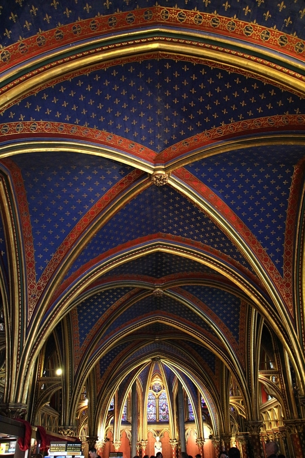 vaulted ceiling in lower level church of Sainte-Chappelle
