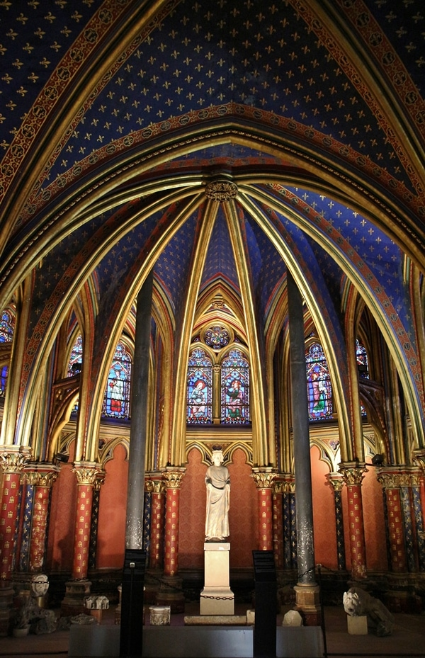 altar of lower level church at Sainte-Chapelle
