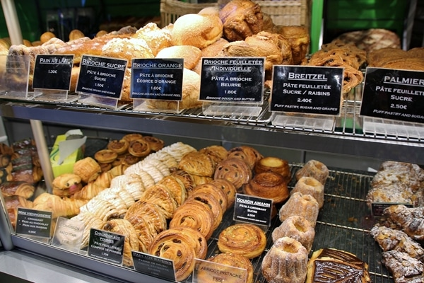 A bakery display of French pastries