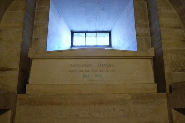 Alexandre Dumas\'s grave in a crypt