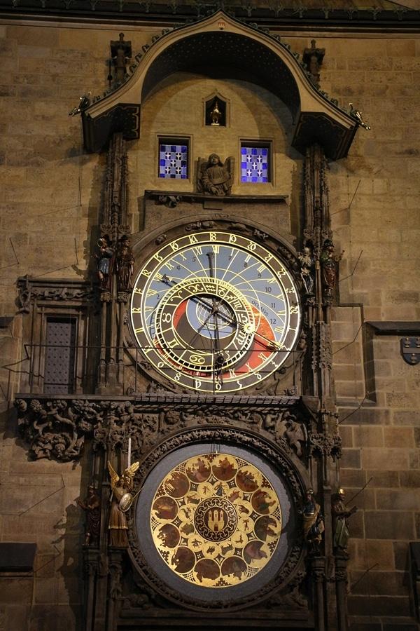 the Prague Astronomical Clock at night