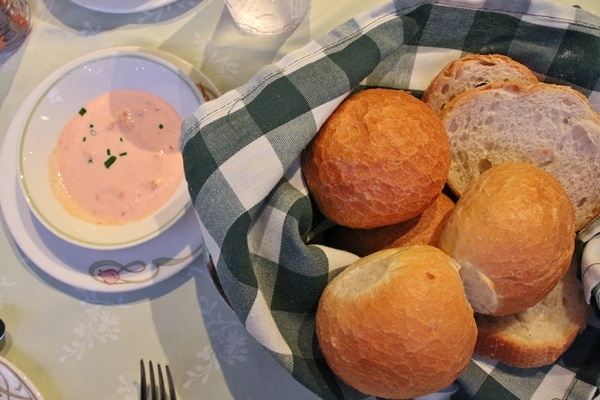 bread basket with dip